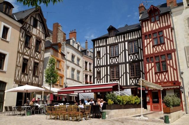 Площадь Шатле (Place du Châtelet)