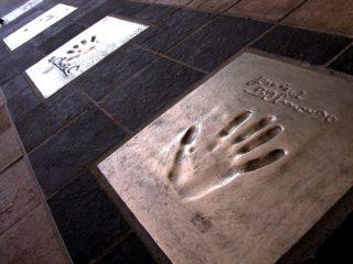 Аллея Звёзд в Каннах. Руки, творившие историю мирового кино