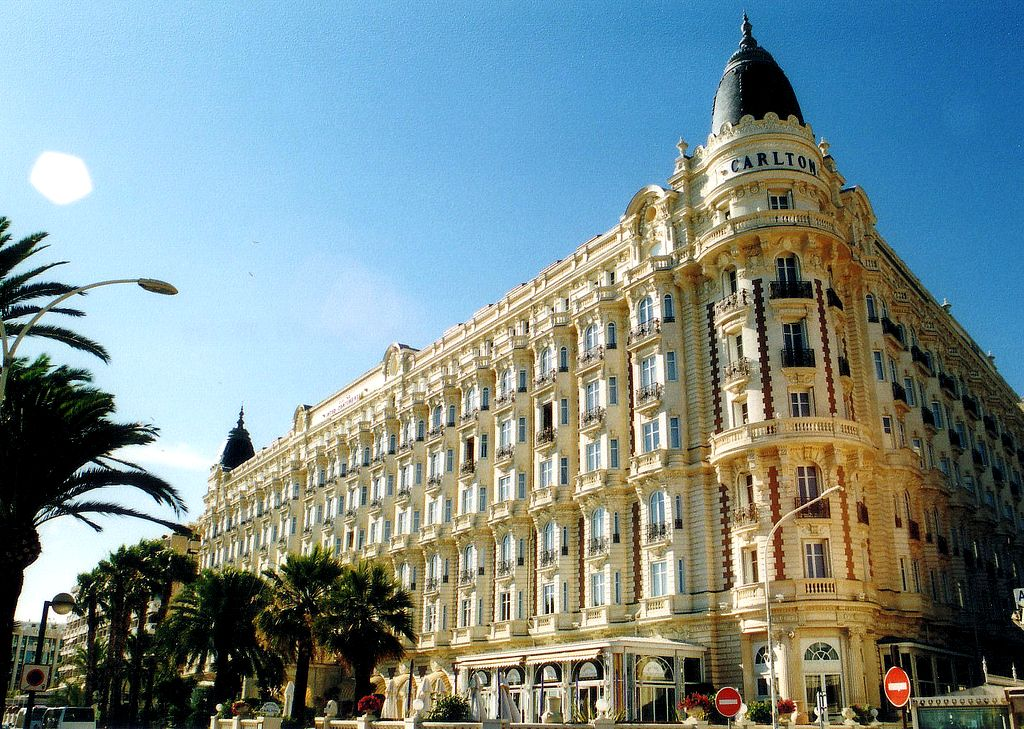 Карлтон – звёздный отель в Каннах