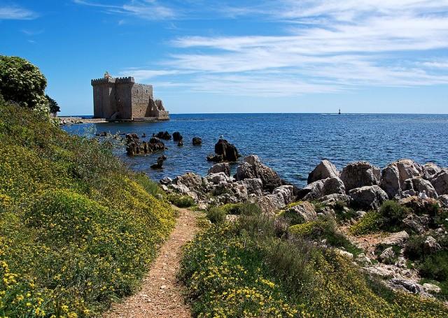 Крепость на острове  Сент-Онора