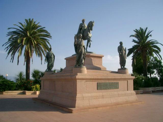 Конный памятник Наполеону