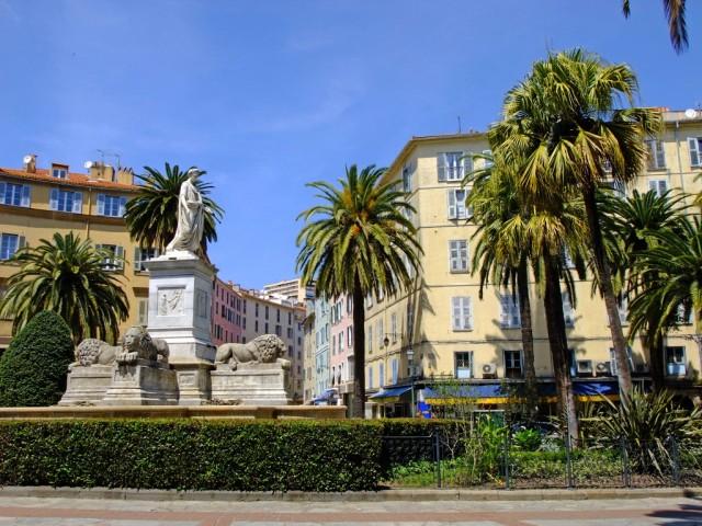Памятник Бонапарту